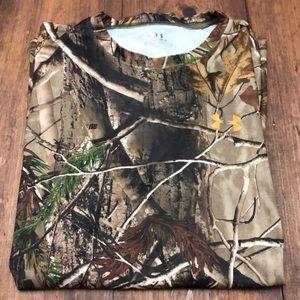 Men's L Under Armour long sleeved T-shirt